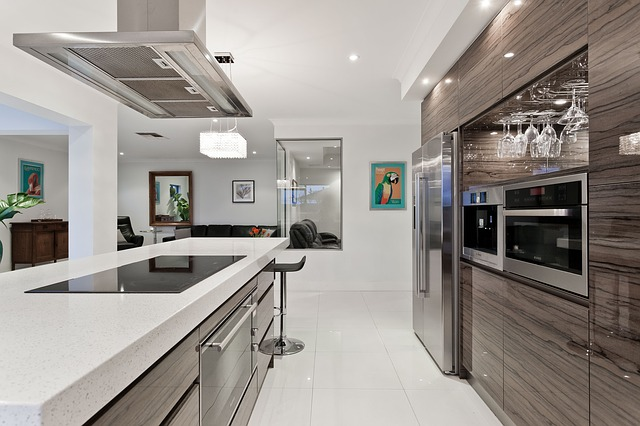 moderní kuchyně, lednice, ostrůvek