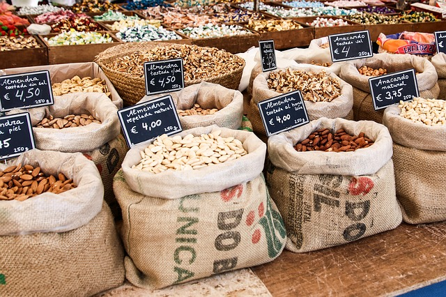 Různé typy ořechů